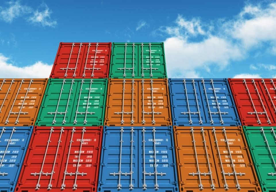 Our steel containers come in sizes of 20', 40', 45', and