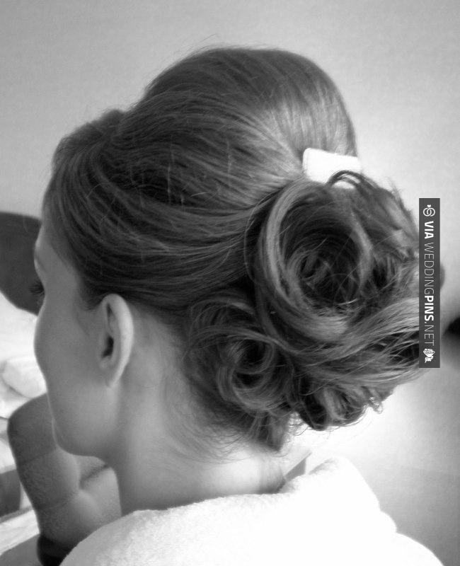 Yes - Updo Wedding Hairstyles We Love - MODwedding | CHECK OUT MORE IDEAS AT WEDDINGPINS.NET | #weddings #hair #weddinghair #weddinghairstyles #hairstyles #events #forweddings #iloveweddings #romance #beauty #planners #fashion #weddingphotos #weddingpictures