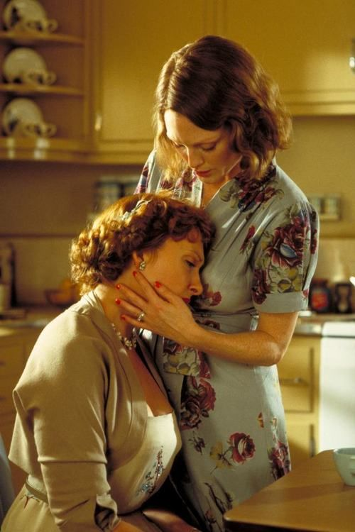 The Hours (2002) - Toni Collette and Julianne Moore