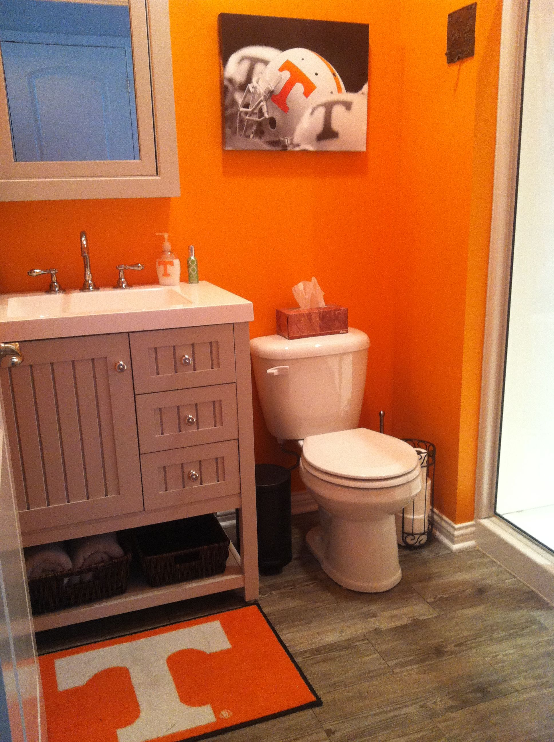I Am Wanting To Paint My Bathroom Hmmm Tennessee Vols Www Rolltidewareagle Inform And Entertain College Football Stories