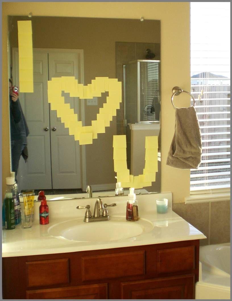 Mensagem no espelho do banheiro...
