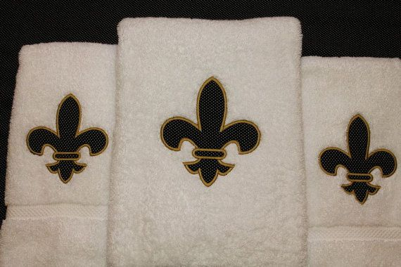 Fleur de Lis Applique Towel Set by mimisinstitches on Etsy