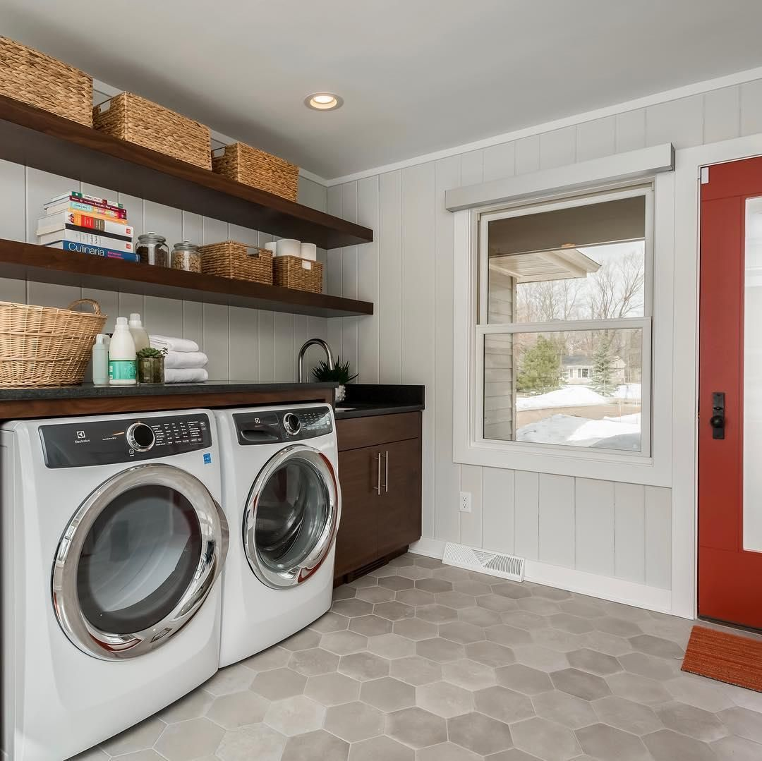 This Laundry Mud Room Combo In Meganbrakefieldinteriors Mid Mod Remodel Is Wowing Us Find More Hex Interior Renovation Interior Remodel Laundry Room Design