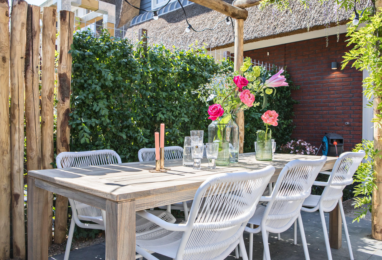 Houten Stoel Tuin : Super leuke vrolijke tuinset gezien bij eigen huis en tuin. de lange