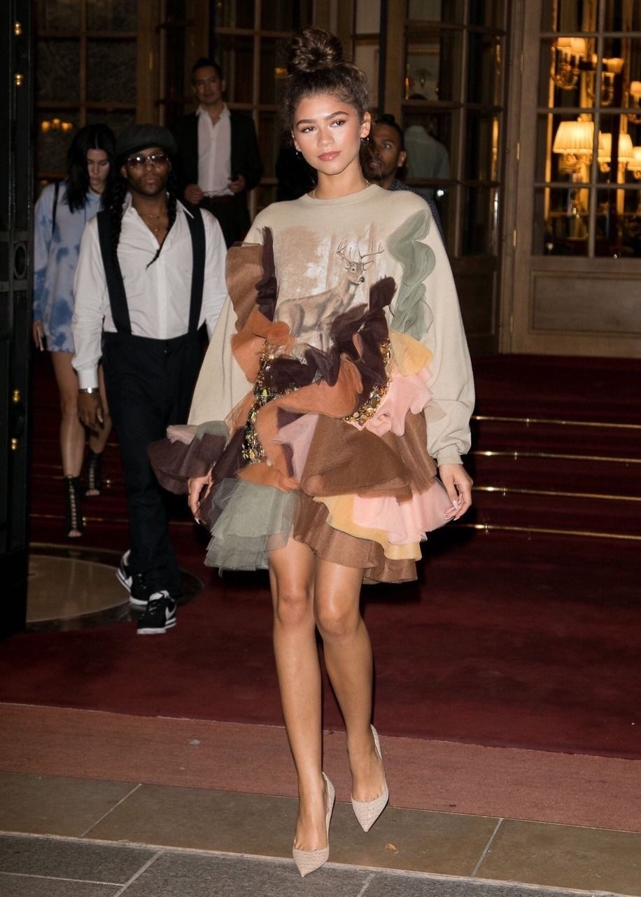 Pin by bailey on zendaya in pinterest fashion dresses