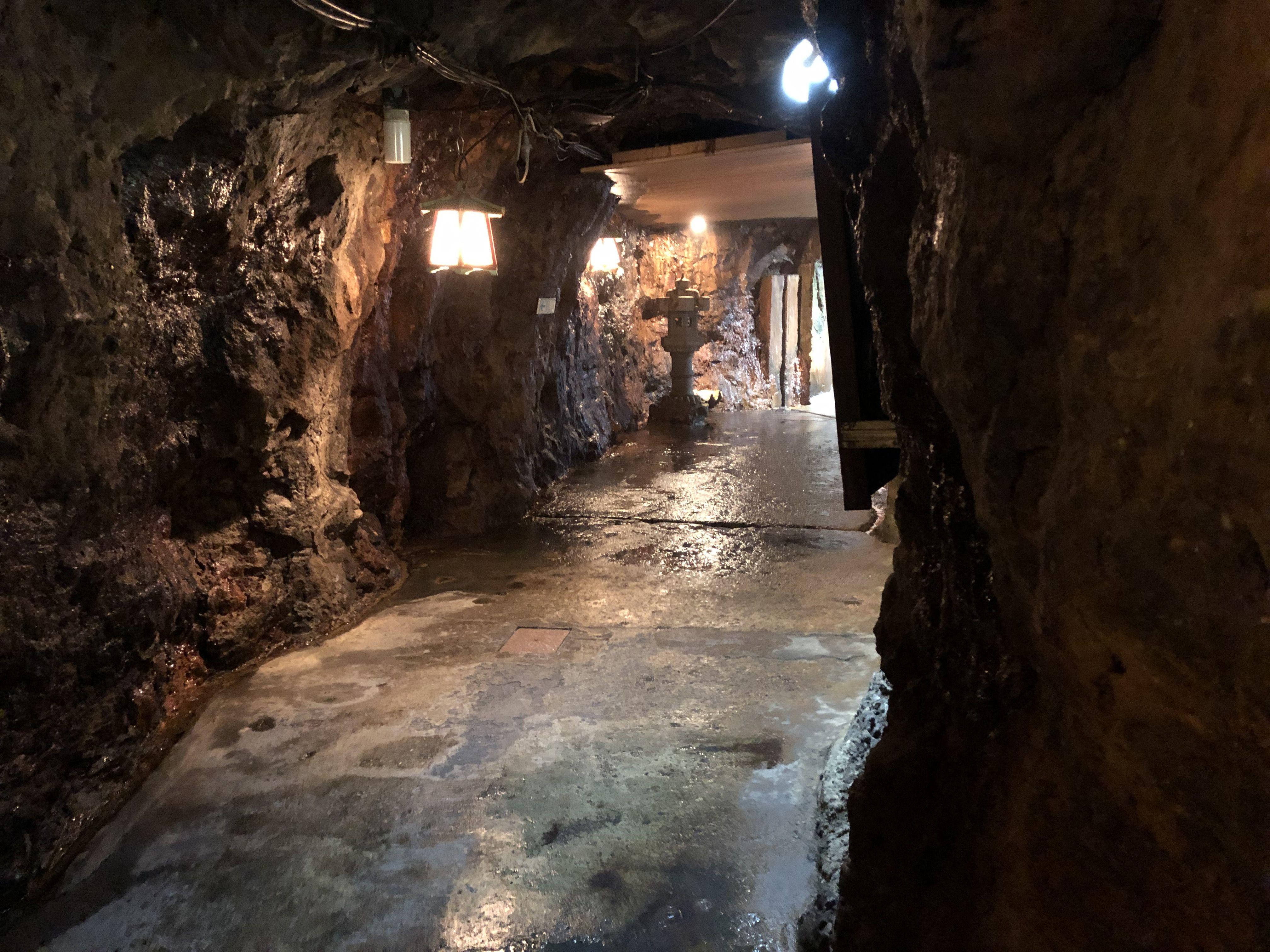 洞窟 三段壁