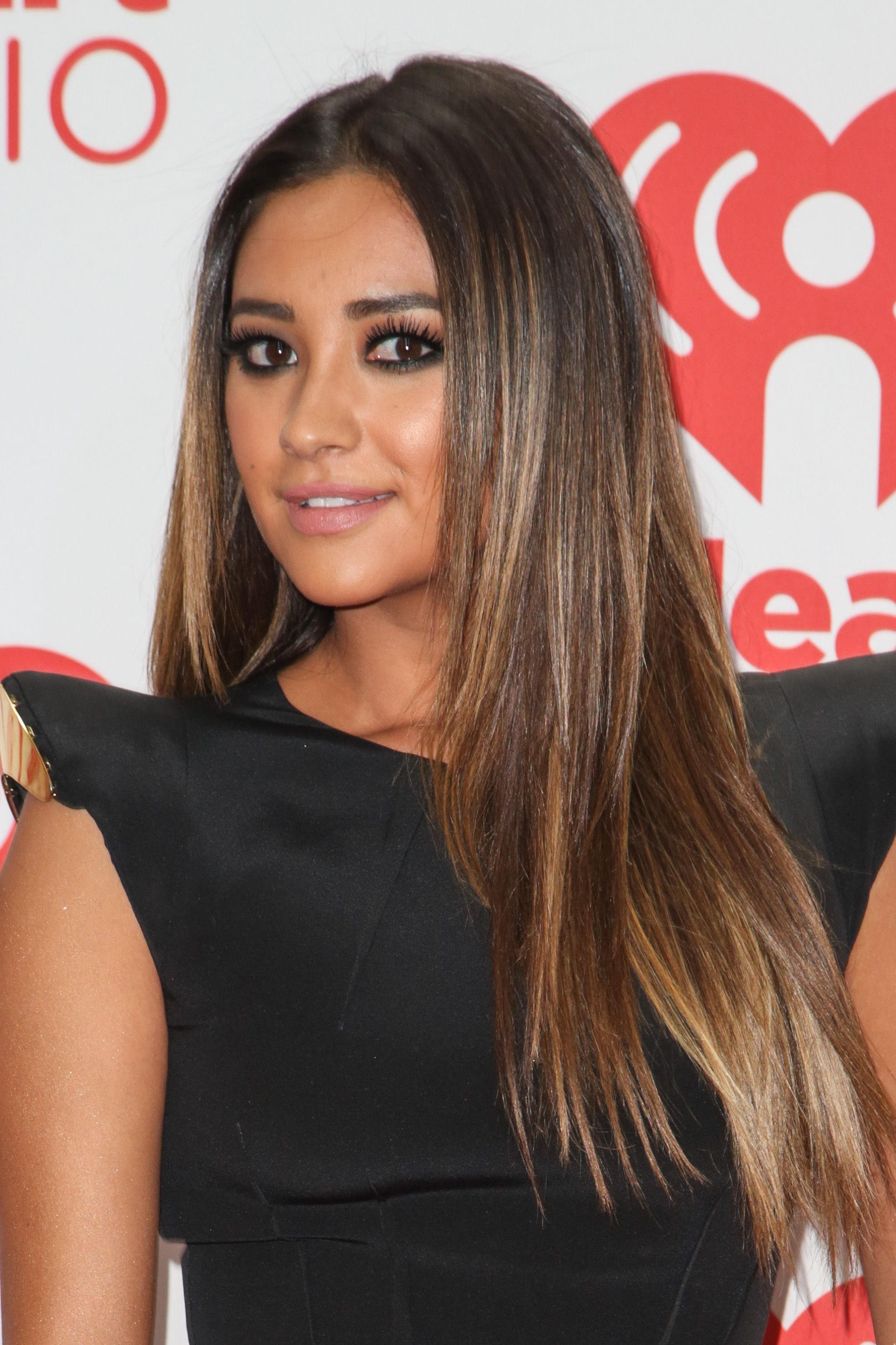 Shay Mitchell Hair In 2019 Pinterest Hair Balayage And