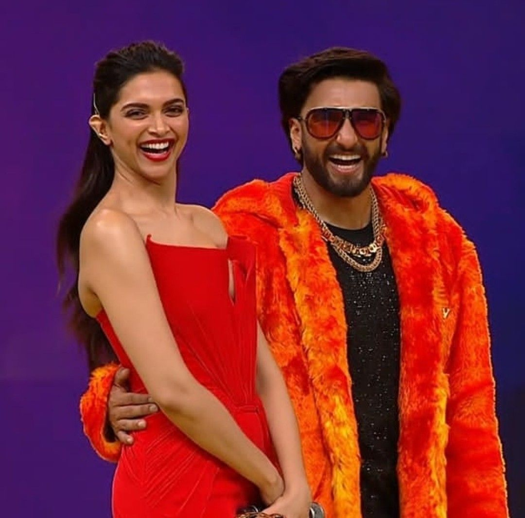 Deepveer At An Award Show Deepika Padukone Style Deepika Ranveer Bollywood Fashion