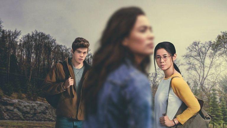 The Half Of It Merupakan Film Remaja Dengan Latar Dan Premis Yang Menarik Kisah Persahabatan Antara Ellie Dan In 2020 Soundtrack Songs Independent Movies Music Songs