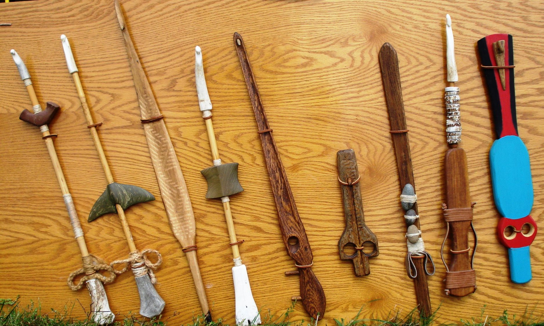 how to make an atlatl spear