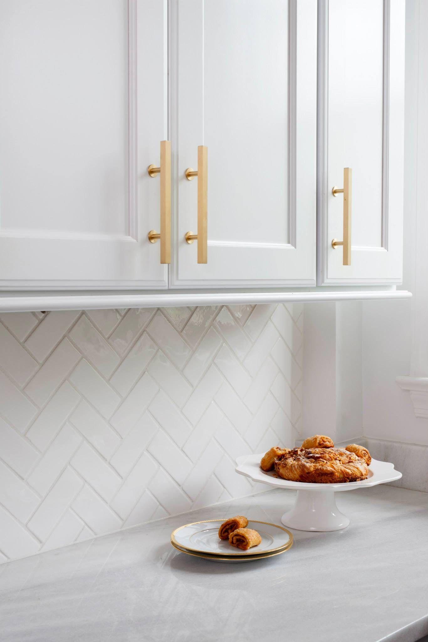 Herringbone Backsplash With High Gloss White Subway Tile Lew