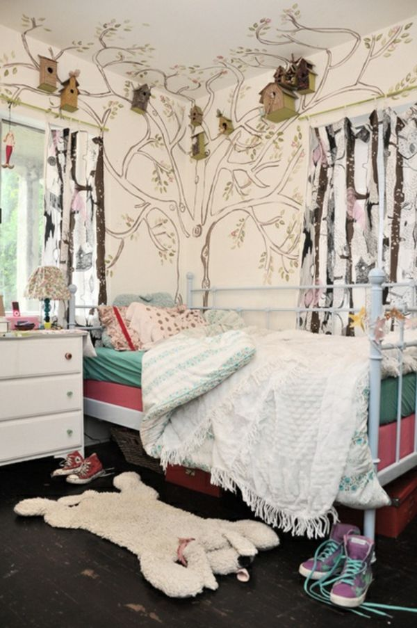 baum an der wand bemalen originelle wandgestaltung im kleinen kinderzimmer 62 kreative w nde. Black Bedroom Furniture Sets. Home Design Ideas