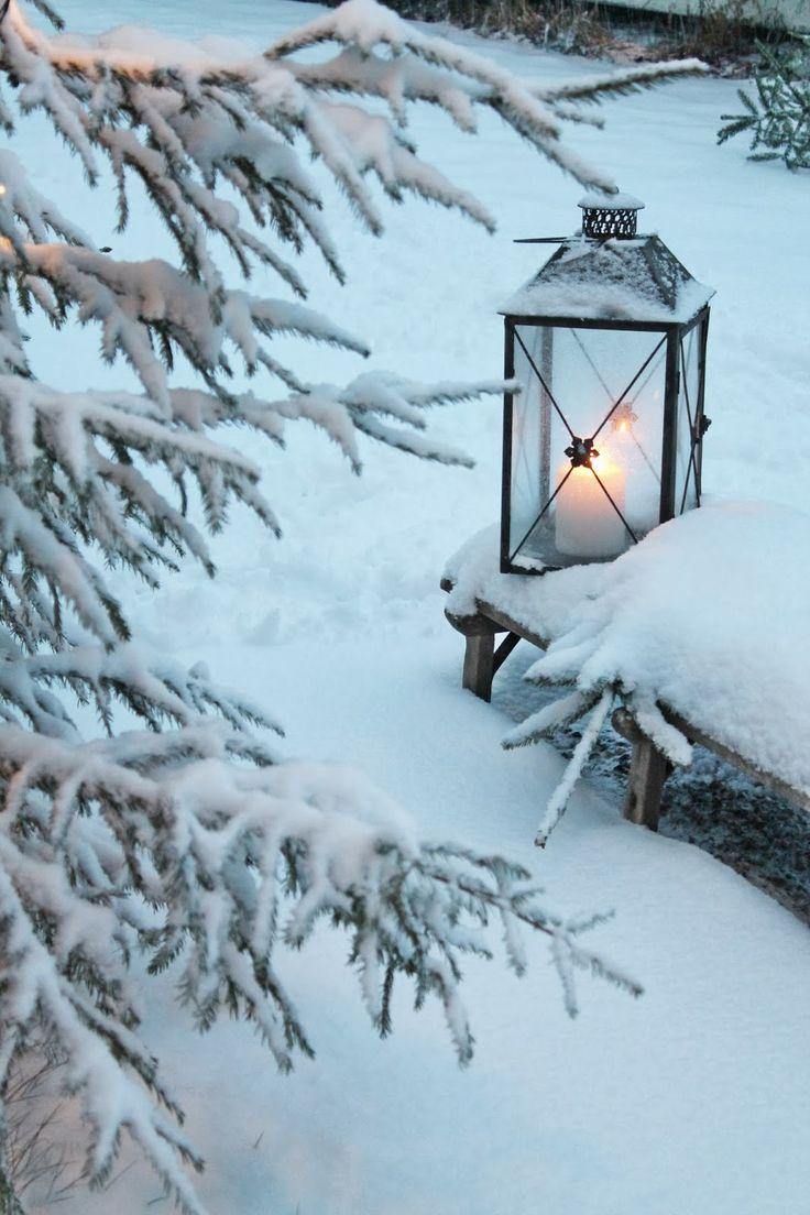 pingl par ilonka sur zima pinterest lanterne hiver et neige. Black Bedroom Furniture Sets. Home Design Ideas