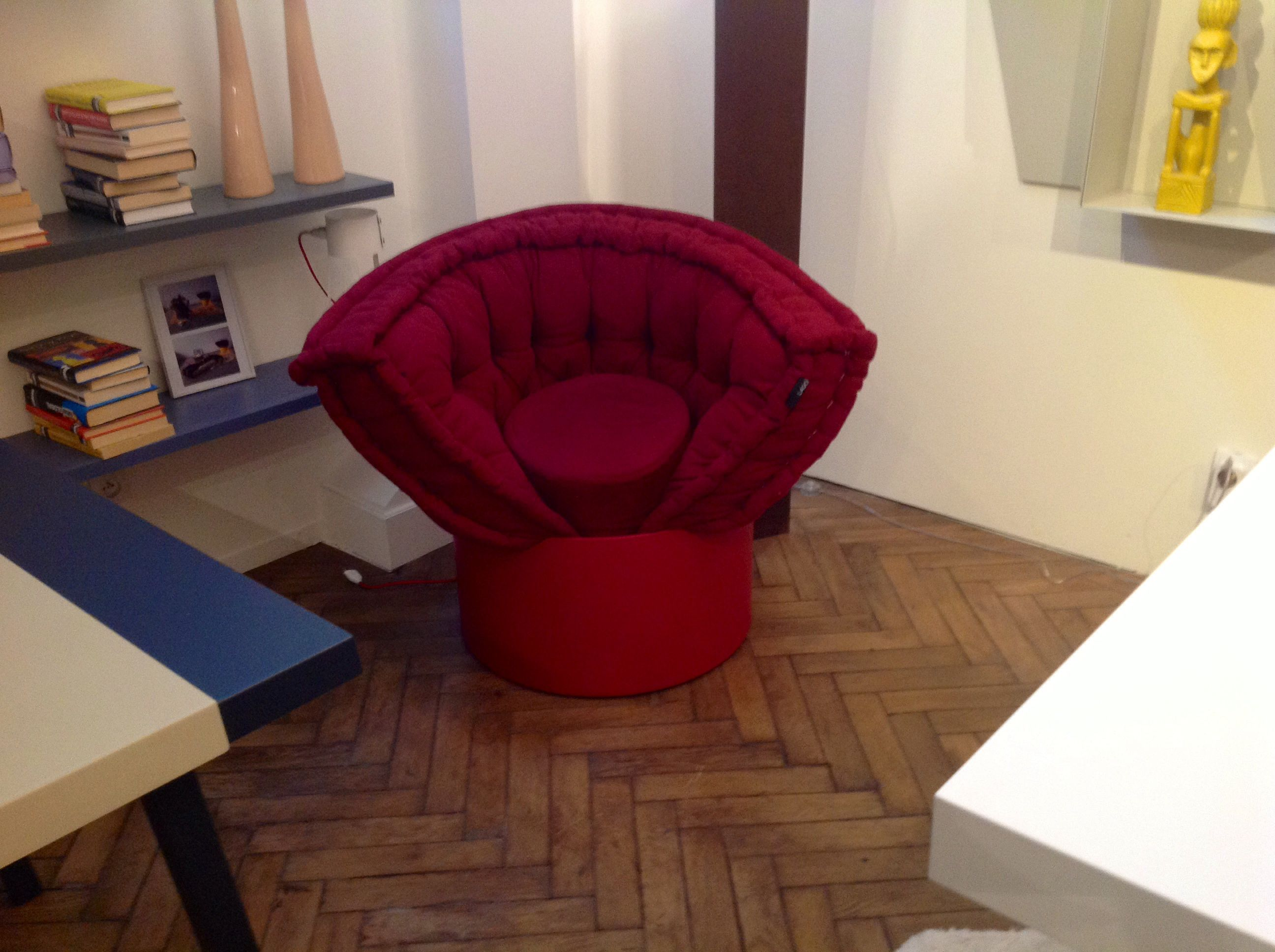 Lago Interior Design Huggy Arlydesignparis Meuble Design Design Italien Mobilier De Salon