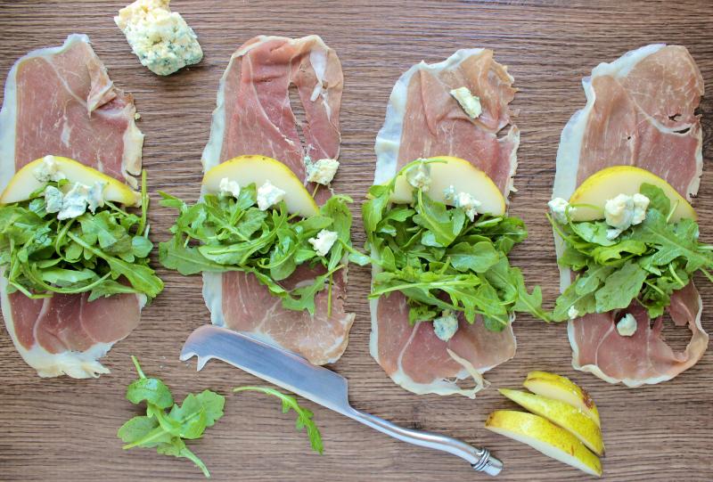 Deliciously Simple Prosciutto Arugula Salad Rolls