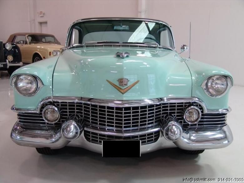 old cadillac cars   1954 Cadillac Deville Classic New Car for Sale     old cadillac cars   1954 Cadillac Deville Classic New Car for Sale in  United Arab Emirates  That color