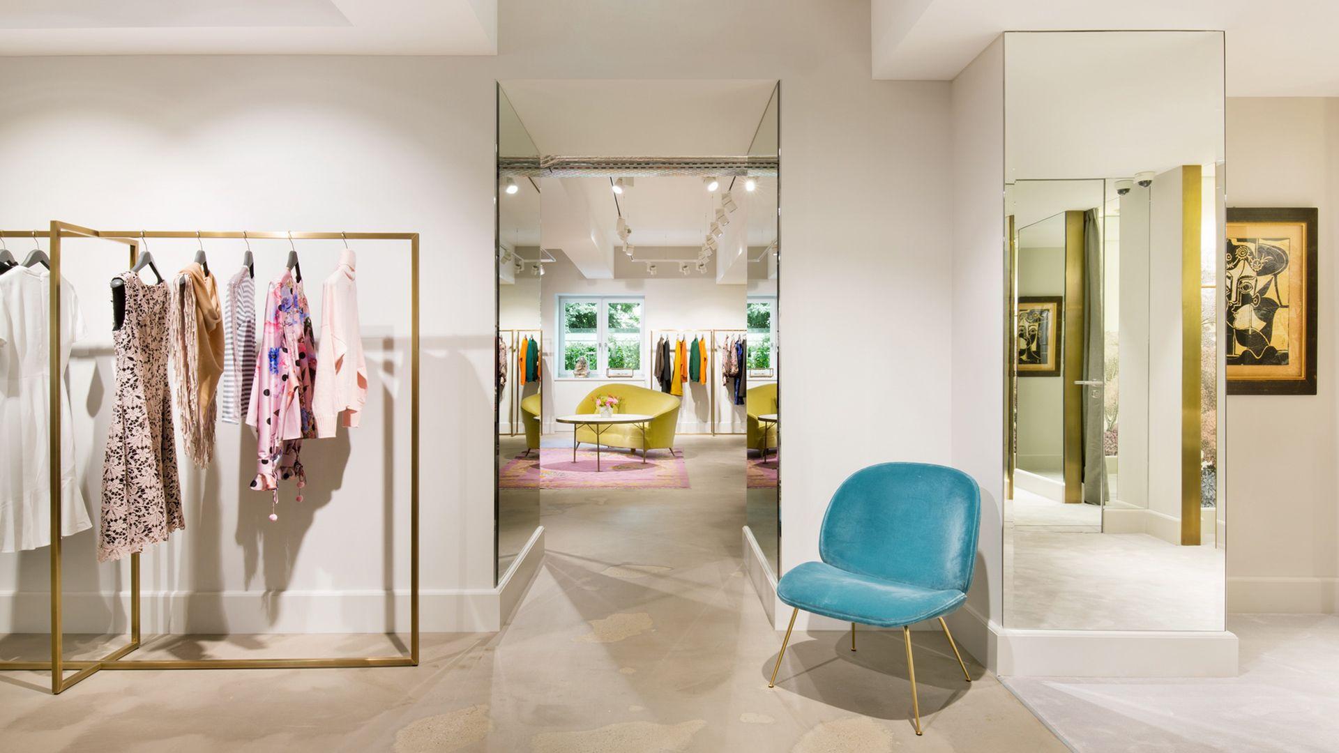 gubi beetle lounge chair at apropos der exklusivste store in k ln gubi pinterest. Black Bedroom Furniture Sets. Home Design Ideas