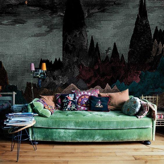 Le papier peint Carpates de la marque Bien Fait au style éclectique est stupéfiant car il est sinistre et totalement d'humeur changeante. Il ne passera pas inaperçu dans votre intérieur. Décoration et mobilier design à Paris.