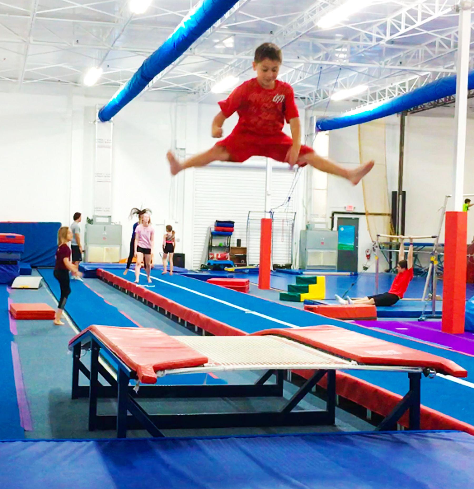 Trampoline & Tumbling: Double Mini Straddle Jump | Trampoline, Gymnastics, Tumbling