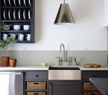 cuisine-peinture-meuble-gris-antharcite-credence-gris-pastel