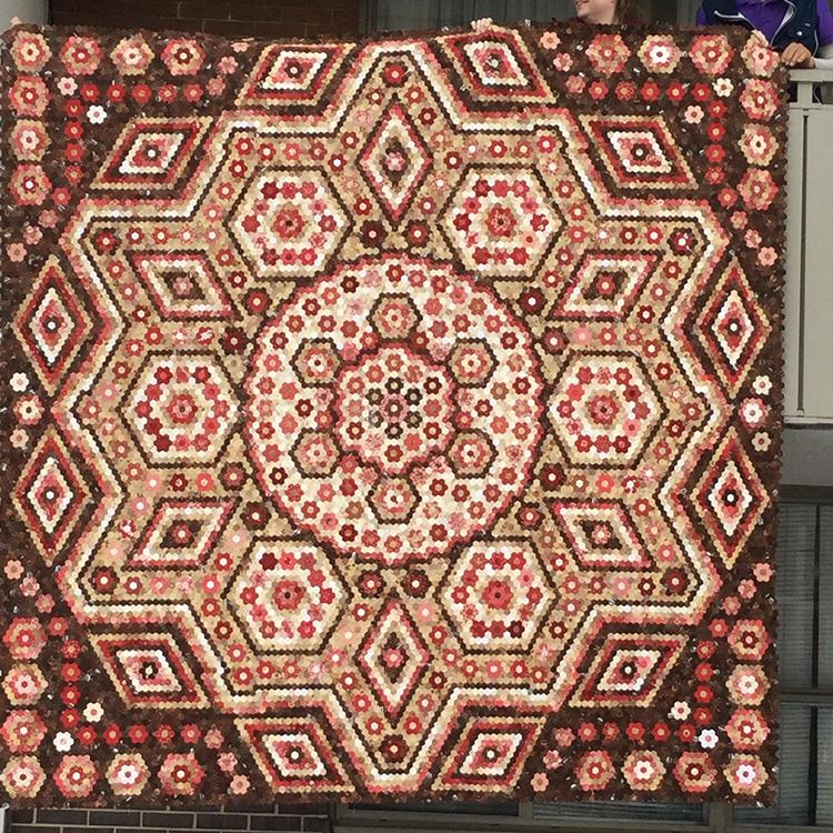 Pin By Julie Carroll On La Passion Quilt In 2020 Quilt Piecing La Passion Quilt Hexagon Quilt