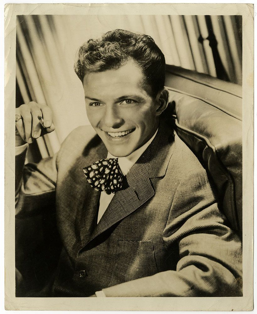 Nice Great Ol' Blue Eyes Frank Sinatra Vintage c. 1946 Early Career  Portrait Photograph