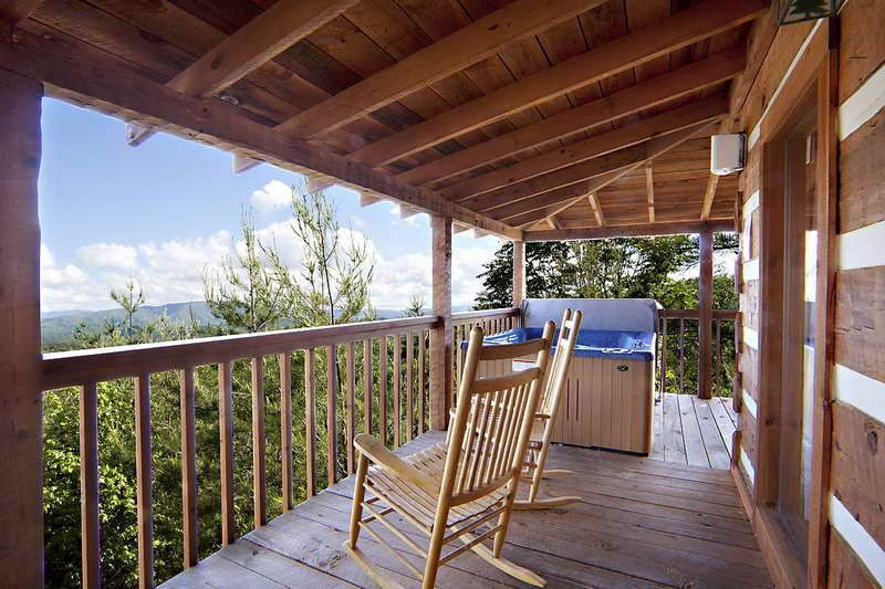 Decorating With Wood Lake Cabin Decorating Ideas With Wooden Fence Gatlinburg Cabin Rentals Lake Cabin Decor Cabin Rentals