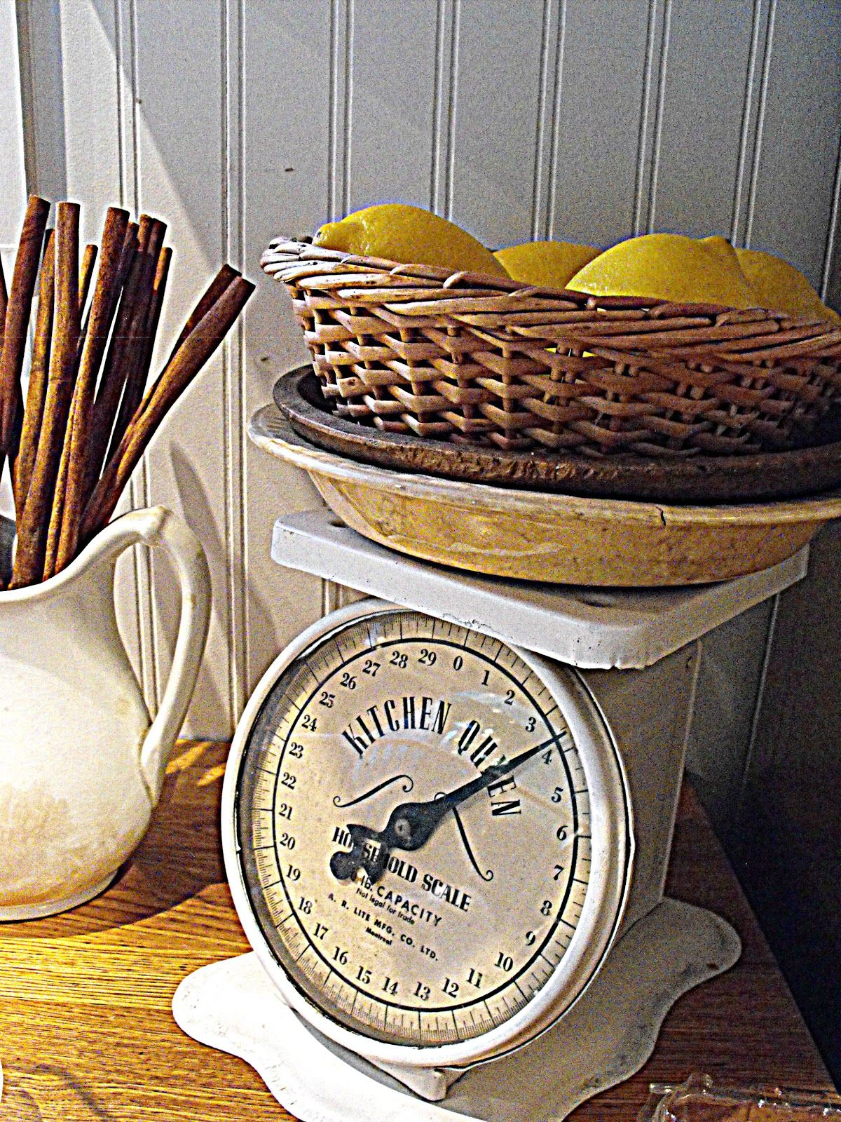 Rustic farmhouse i adore the use of vintage scales in for Rustic kitchen scale