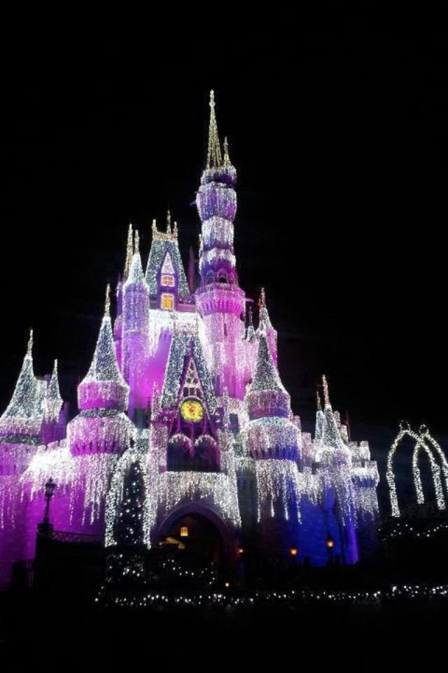 Cinderella's Castle decorated for Christmas. Walt Disney World, Florida!!