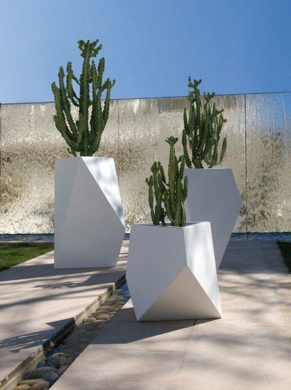 Pots à fleurs et jardinières design- 67 idées de déco extérieure | Pots de fleurs décorés ...
