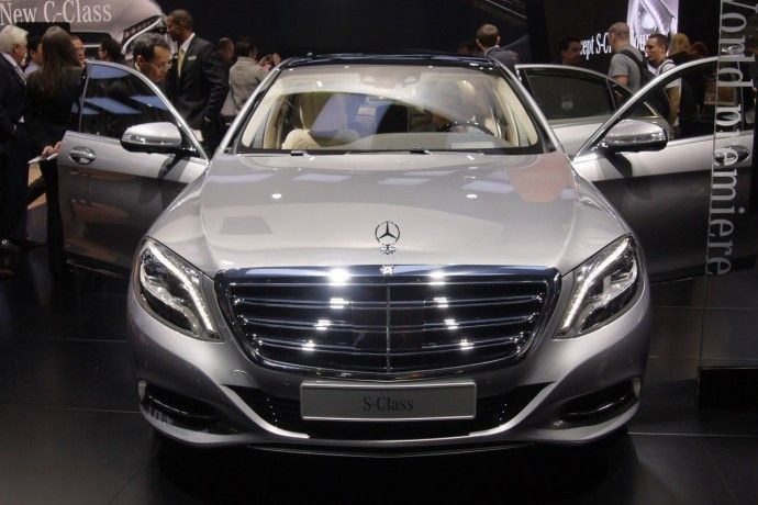The ultra luxurious 2015 Mercedes S600 arrives at Detroit with V12