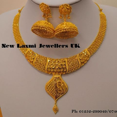 Love The Necklace Pair It With Gown Gold Necklace Designs Bridal Gold Jewellery Pure Gold Jewellery