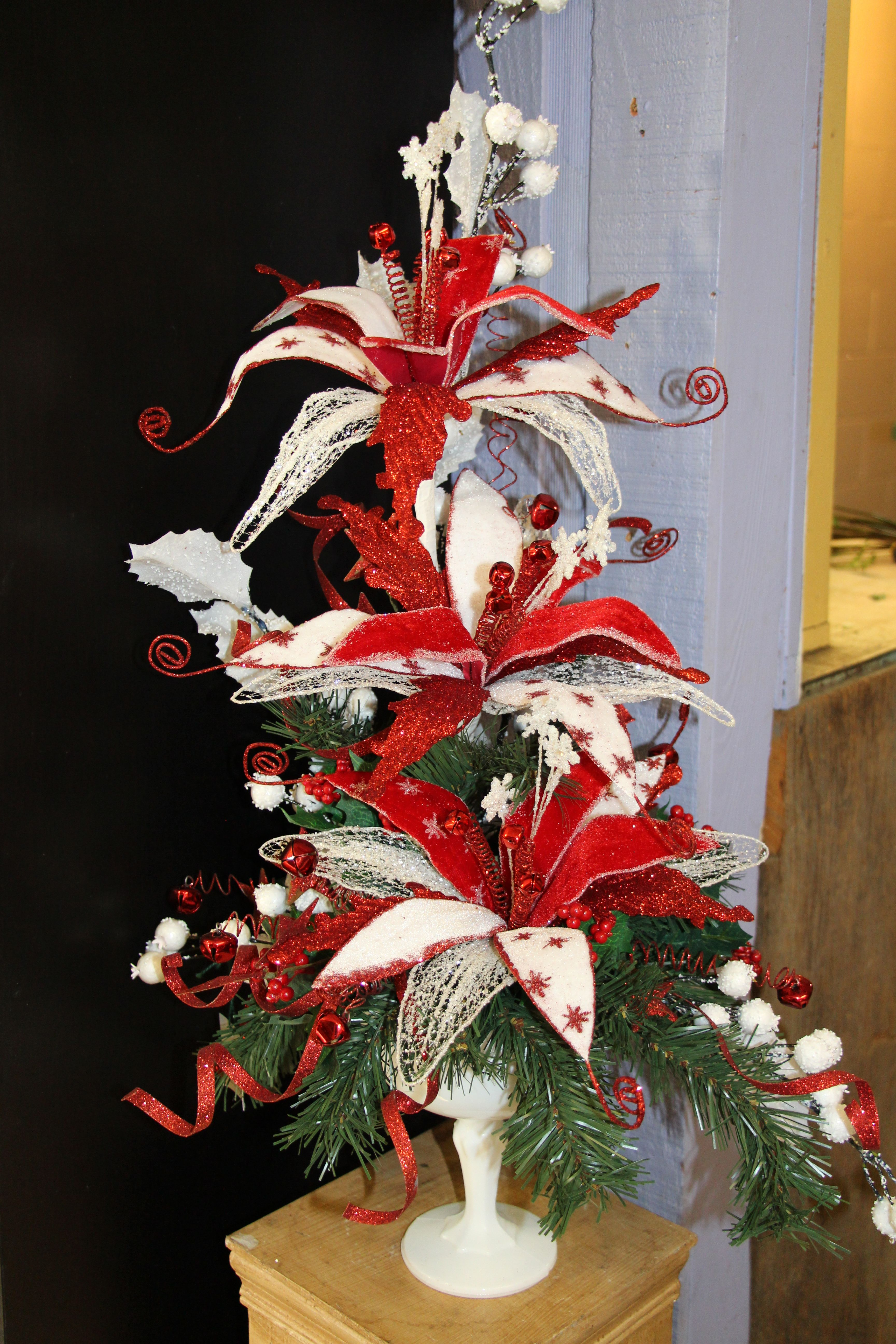 Red and White Christmas Decor!. Unique fun Christmas silk