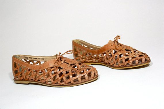 Aack! I had these shoes and LOVED them! ~vintage 80's huarache oxfords