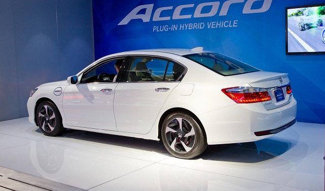 Nice 2015 Honda Accord Hybrid Price And Specs | #review #honda #hondacars  #hondaccord #2015hondaaccord