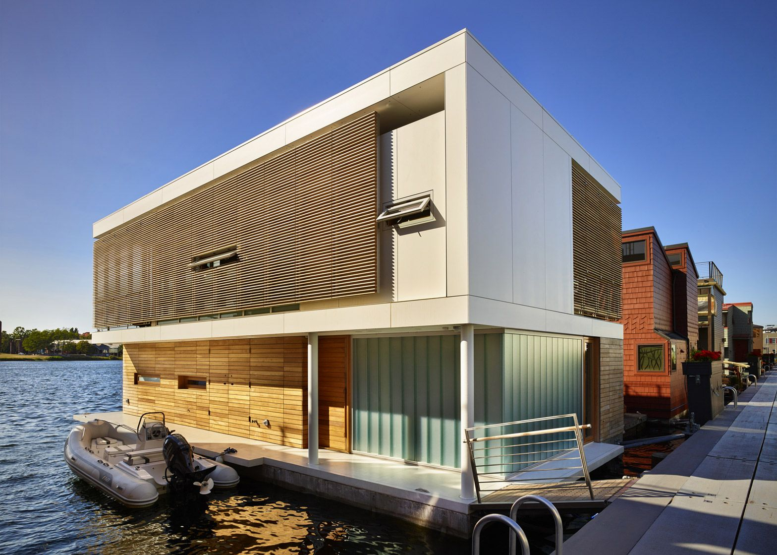 Floating Home Manufacturers Floating Home In Seattle Features Water Level Bedrooms Float