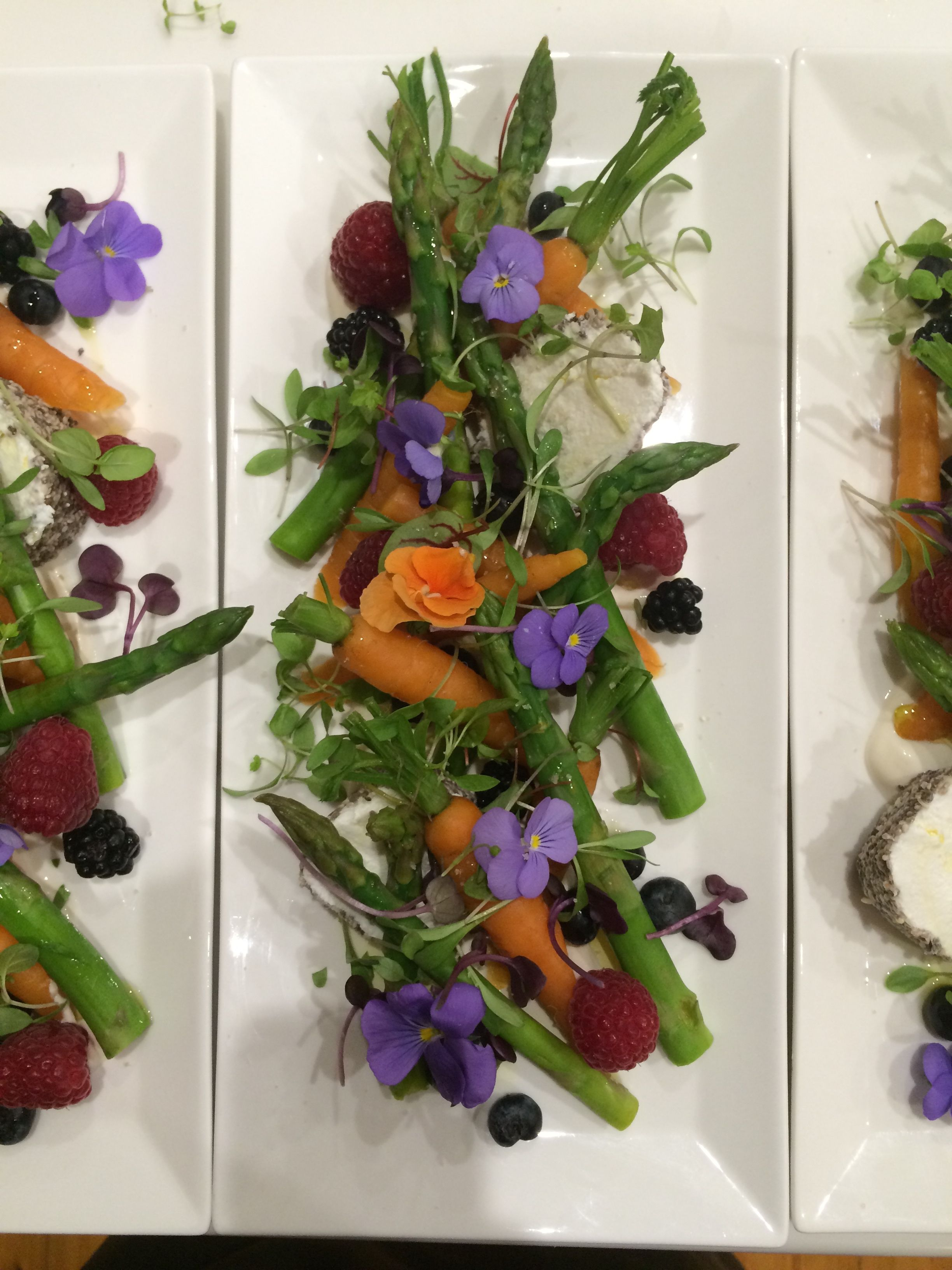 Asparagus Baby Carrot Berry Salad Decorated With Edible Flowers By Creative Hunger Edible Flowers