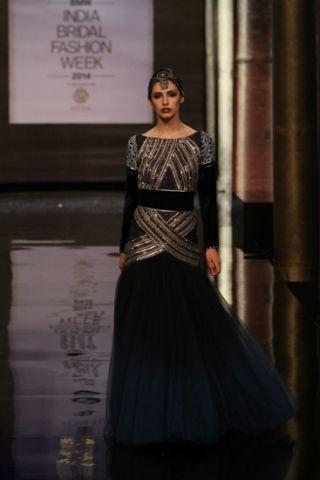 JJ Valaya. IBFW 14'. Indian Couture.
