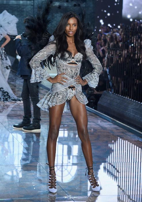 30189ba0a8 Jasmine Tookes Workout Routine and Diet Plan jasmine tookes workout plan