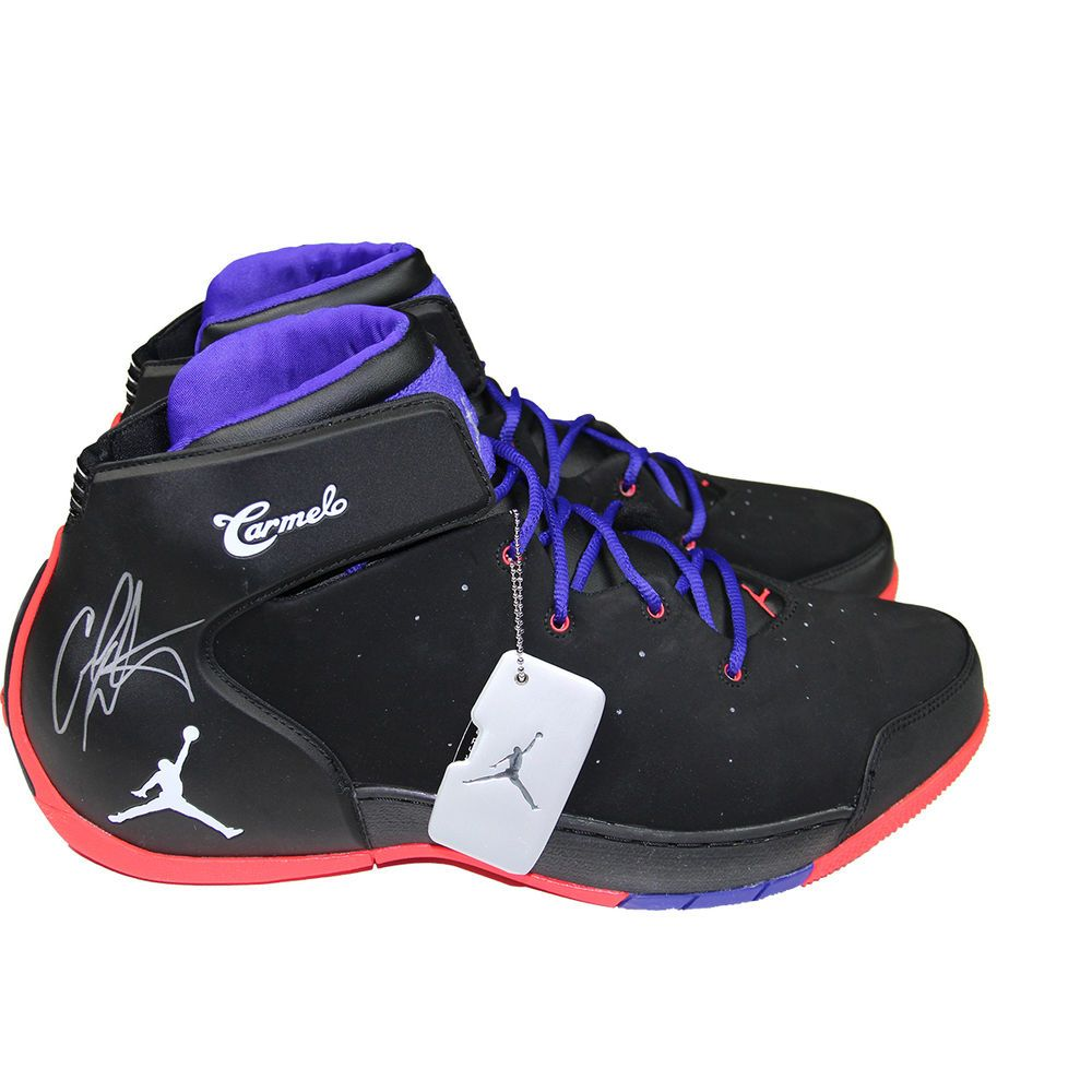 Carmelo Anthony Autographed Right Shoe Jordan Melo 1.5 Black & Red & Dark  in Sports Mem