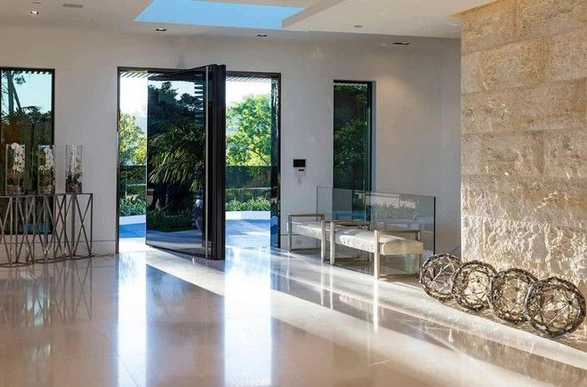 Inside-Celebrity-Homes-Beyoncé-and-Jay-Z-LA-Mansion-8 Inside-Celebrity-Homes-Beyoncé-and-Jay-Z-LA-Mansion-8