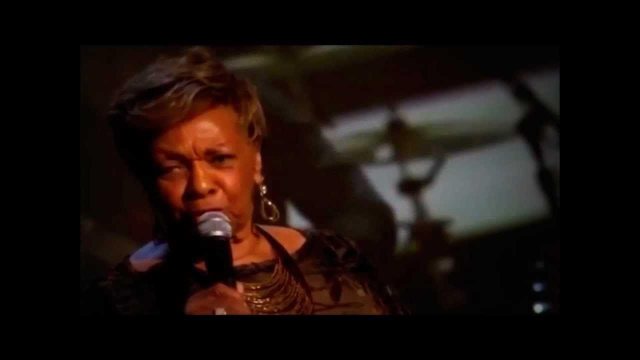 Cissy Houston Bridge Over Troubled Water Whitney Houston Tribute Rip Bobbikristina 2 Angels Cissy Houston Bridge Over Troubled Water Inspirational Youtube