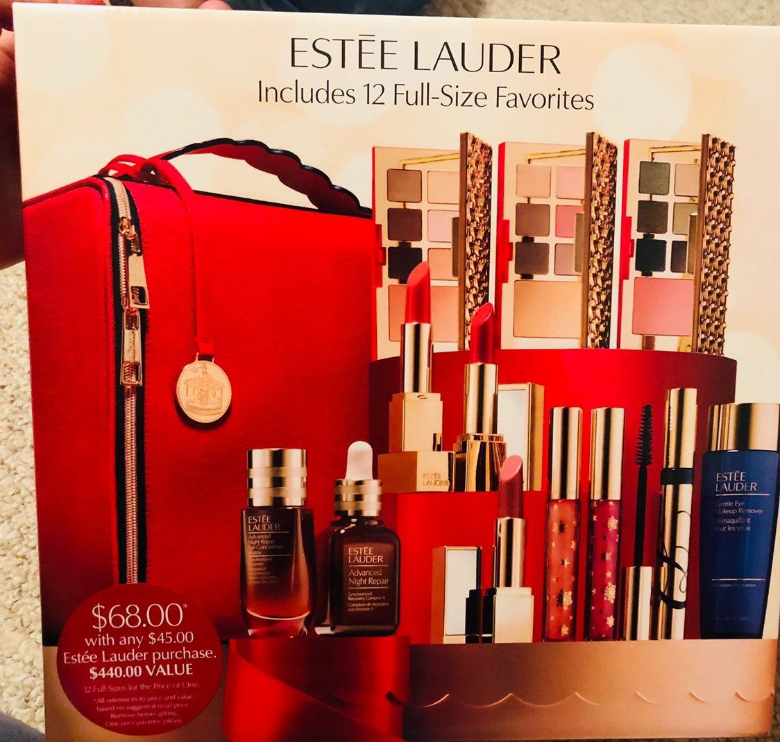 Brand New 100 Authentic Limited Edition 2018 Holiday Blockbuster Estee Lauder In Warm The Retail Value 440 Includes 12 Full Size Estee Estee Lauder Items