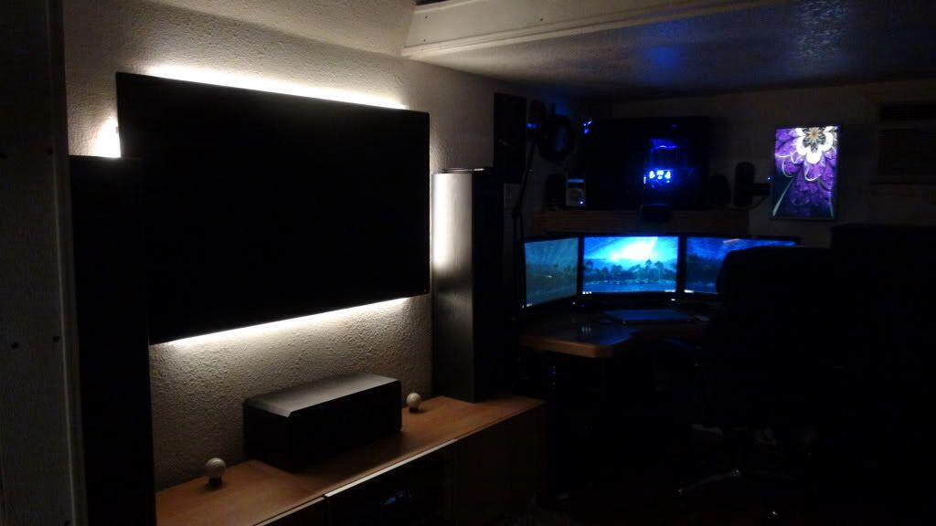 Gaming Setup Tv Computer Desk Game Room Decor Game Room Gaming Room Setup