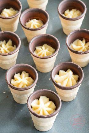 Cupcakes in the waffle Baking makes you happy-#baking #bestrecipes #burgerrecipes #copycatrecipes #cupcakerecipes #cupcakes #glutenfreerecipes #happy #makes #quesadillarecipes #recipesforkids #spaghettirecipes #vegetablerecipes #waffle- These waffle muffins aren't just fun to eat! Baking and decorating the small cakes in the waffle is great fun for children.