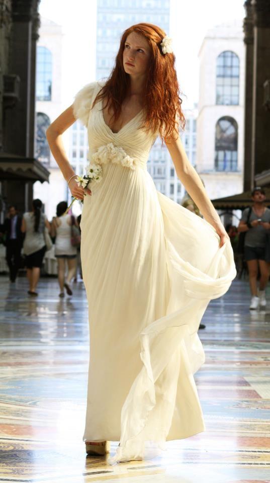 Un abito di #LeilaHafzi nell' Urban Show realizzato a Milano    http://lamiastilistapersonale.wordpress.com/2012/06/28/considerazioni-a-proposito-della-fiera-si-sposa-italia-milano-collezioni-2013/#