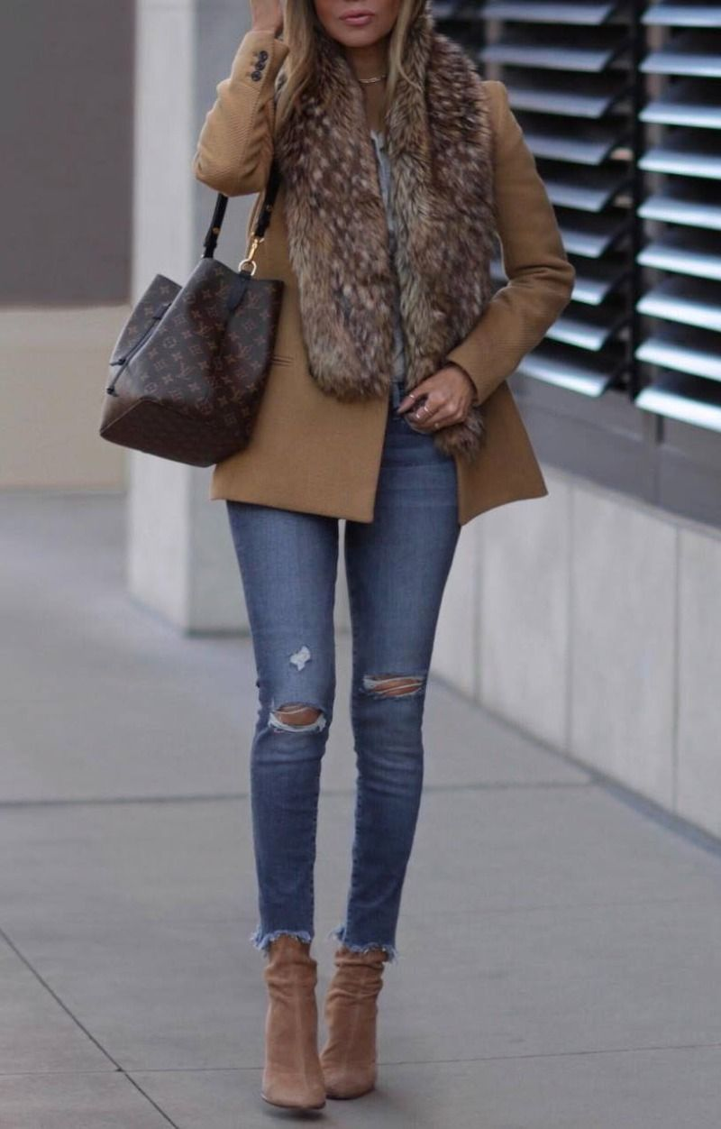 d03928faee 30 Chic Ways To Wear Jeans This Spring 2019