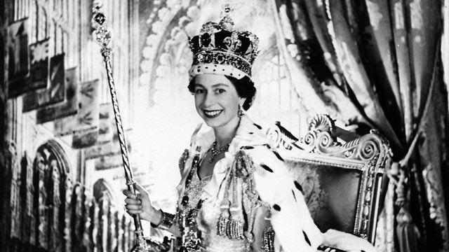 Queen Elizabeth II: A Life in Pictures | Elizabeth ii ...