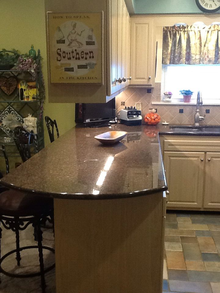 We Put In Granite Countertops And This Area We Let It Hangover 12 Inches For Eating With Counter Stools Kitchen Design Granite Kitchen Granite Countertops