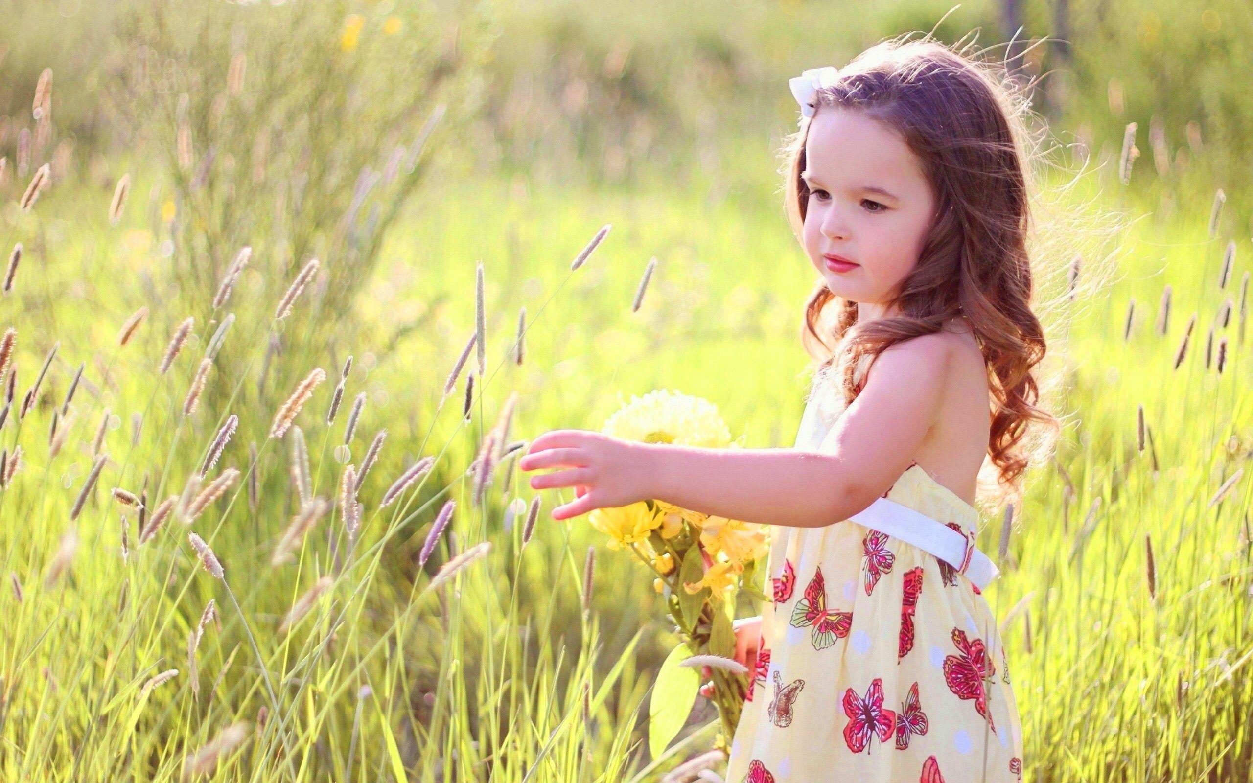 Beautiful girl with flower googleda ara ekler baheler beautiful girl with flower googleda ara izmirmasajfo
